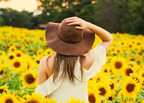 Gallery Sunflower Girl